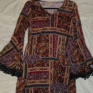 Haani Dresses - Bold Print Flare Sleeve Dress Cute Trim Small